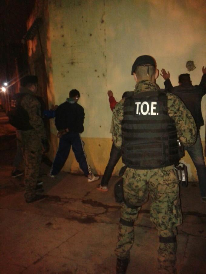 La Compañía Tropa de Operaciones Especiales detuvo a tres personas con pedido de captura