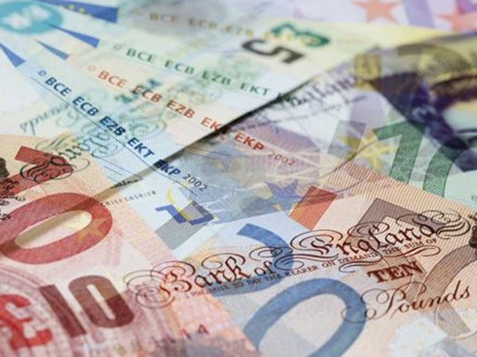 Brexit: La libra cayó a su nivel más bajo en 30 años frente al dólar
