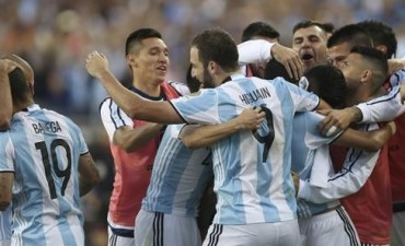 Argentina le ganó con justicia a Chile en su debut en la Copa América
