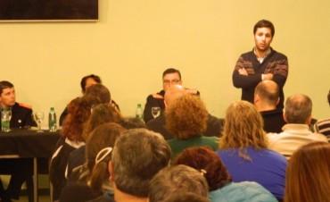 La Policía Comunitaria de Roma participó de la segunda asamblea con vecinos e instituciones del barrio