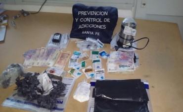 Policía antinarcóticos secuestró más de 300 gramos de marihuana y cocaína en Santa Fe