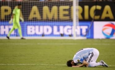 Argentina falló en los penales y perdió su tercera final consecutiva