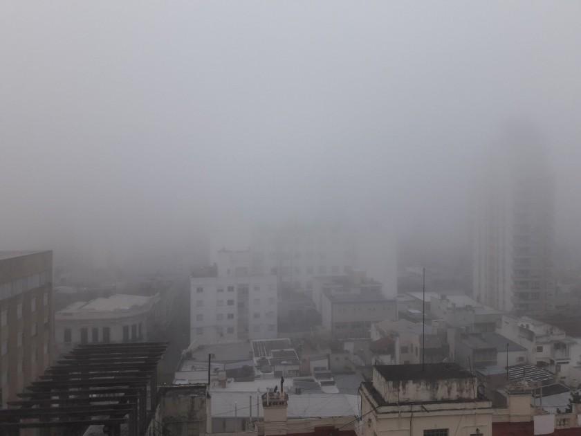Frío e intensa neblina en la mañana de Santa Fe