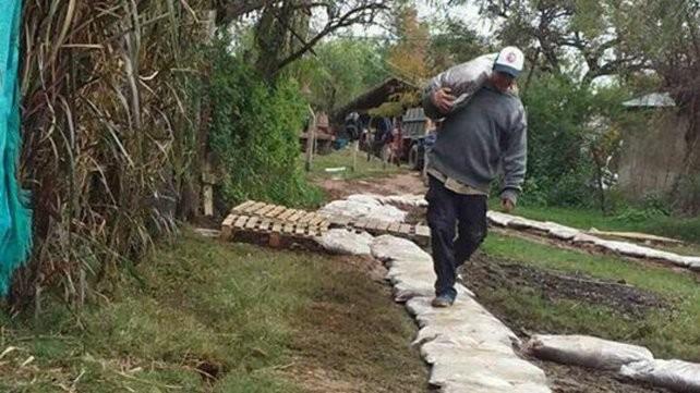 Rincón: 250 familias afectadas por la crecida del río Paraná