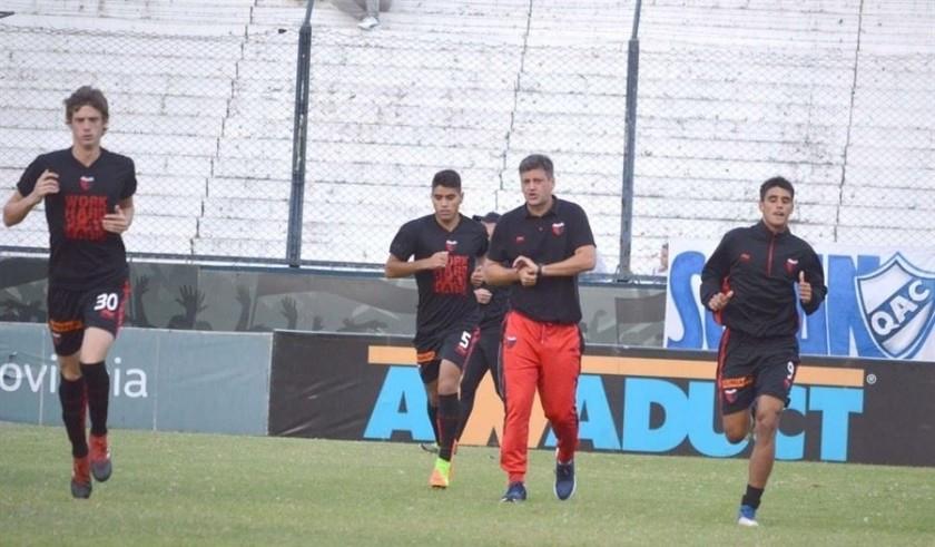 Domínguez lleva 19 futbolistas a Buenos Aires
