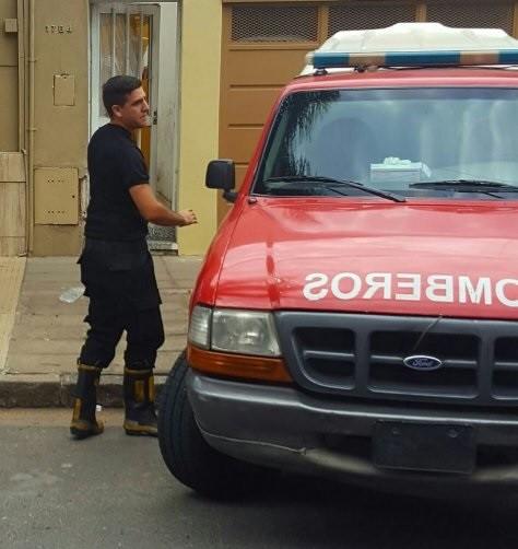 Investigan la muerte de un policía en Nueva Pompeya