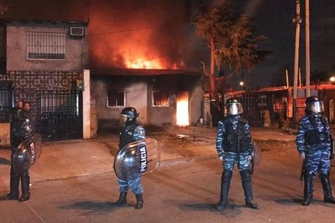 Incendian la casa del sospechoso de asesinar al nene de 3 años en Lomas de Zamora
