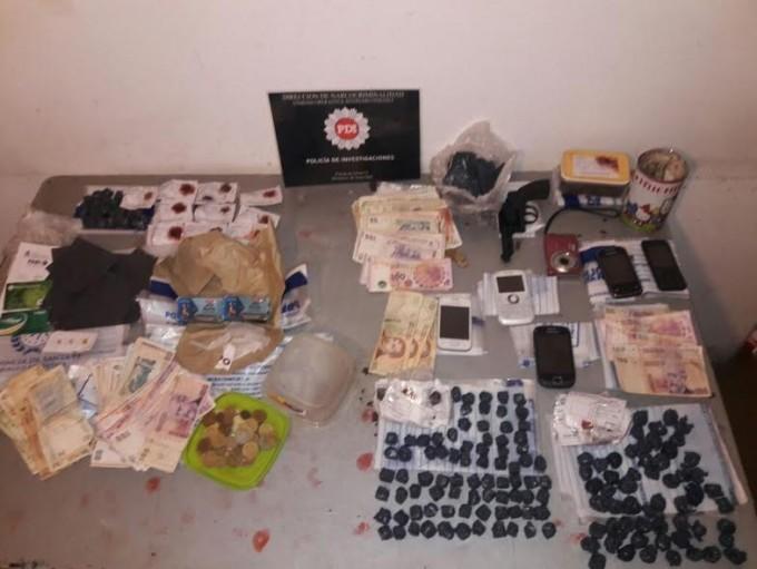 Secuestran un kilo de marihuana fraccionada en Recreo