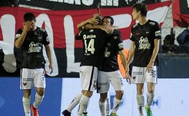 Colón eliminó a Independiente Rivadavia y avanza en la Copa Argentina