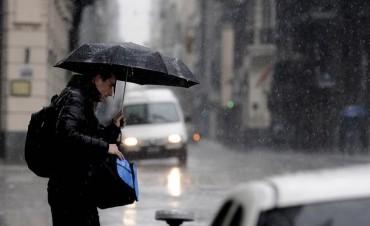 Jueves lluvioso en la ciudad de Santa Fe