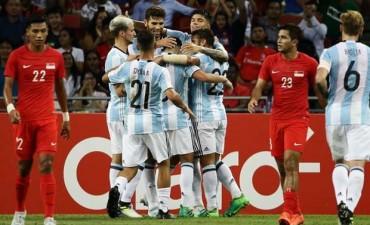 Argentina cumplió y goleó a Singapur por 6 a 0
