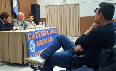 Bonfatti disertó en la Universidad del Comahue