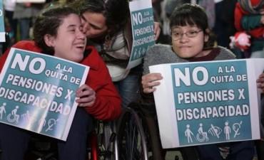 Desde este lunes vuelven a pagar las pensiones por discapacidad