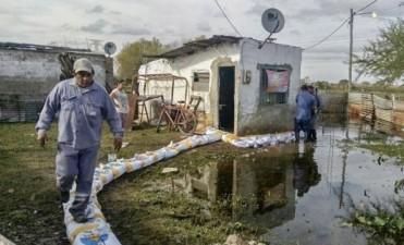 El Municipio trabaja en La Vuelta del Paraguayo por la crecida del Paraná