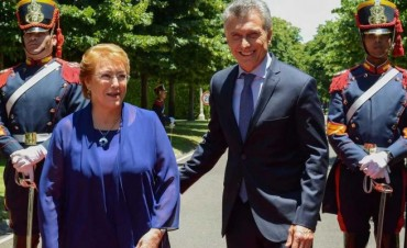 Macri viaja a Chile para reunirse con Bachelet