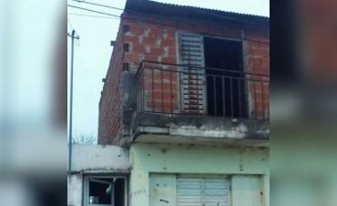Investigan un incendio en una casa del oeste de la ciudad
