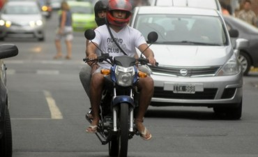 Buscan prohibir la circulación de más de una persona por moto para evitar robos