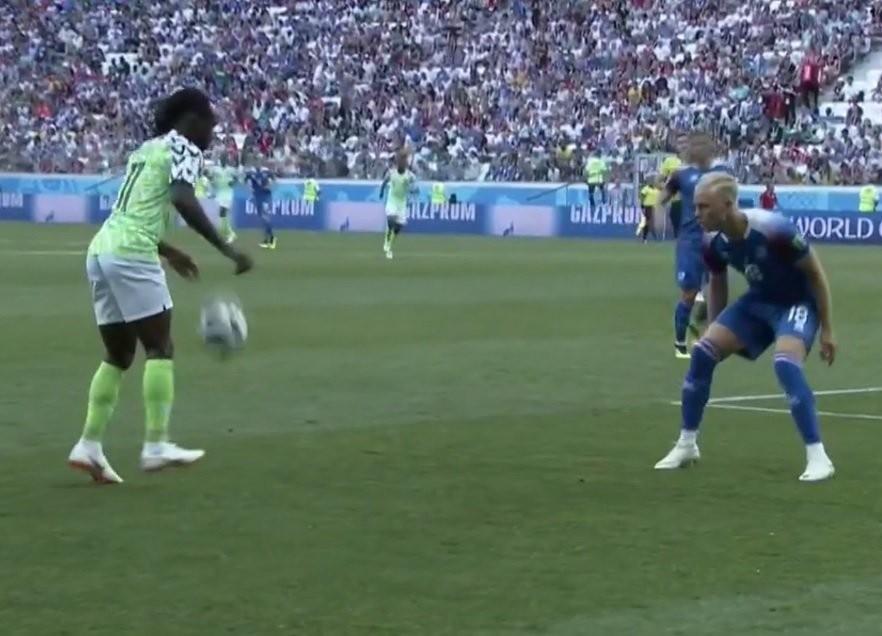Nigeria ganó y le da una vida a Argentina