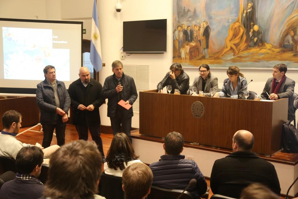 """Emilio Jatón: """"Queremos ordenar la ciudad a través del diálogo"""""""