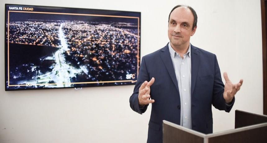 """José Corral: """"La EPE no comprende el mensaje de transparencia y escucha que nos transmiten los santafesinos"""""""