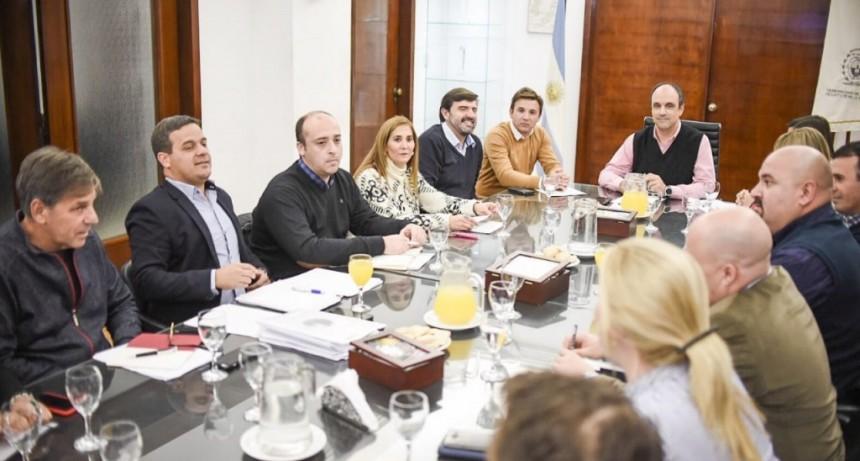 Corral se reunió con concejales sobre la facturación de la EPE