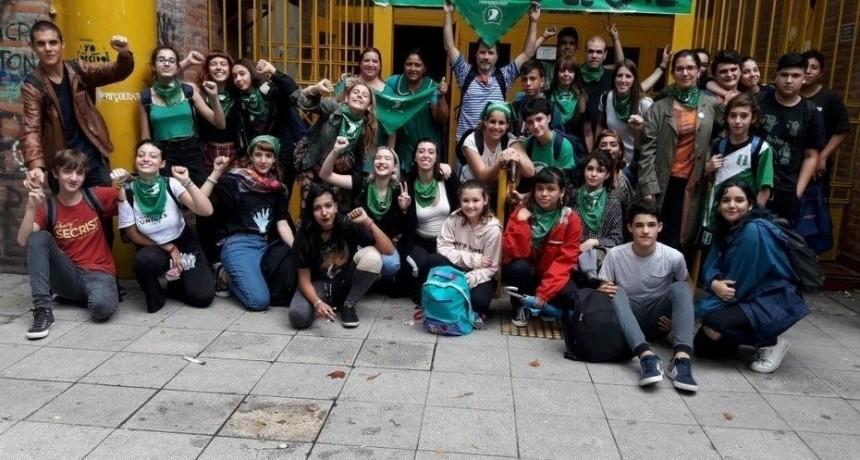 Alumnos de la Ciudad de Buenos Aires tomarán colegios para reclamar por el aborto legal