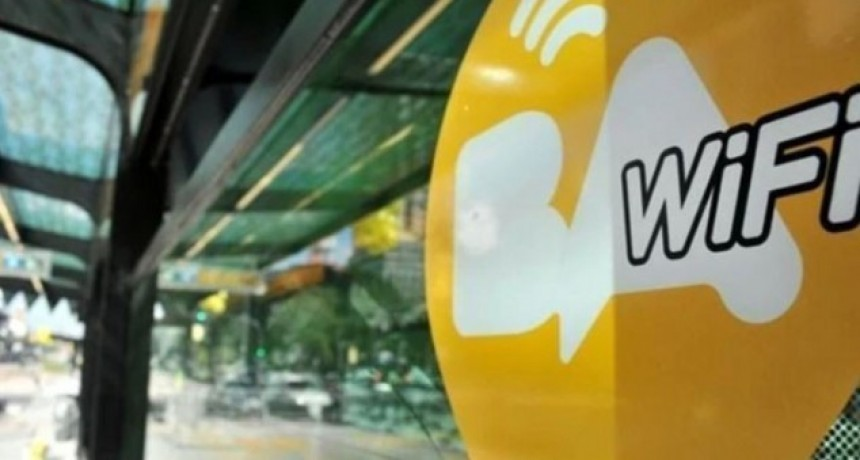 17 líneas de colectivos porteños tienen WiFi gratis