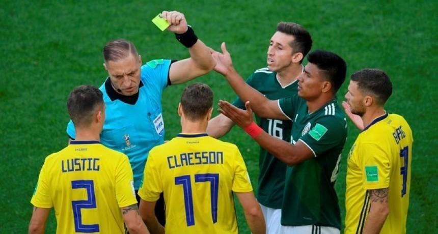 Pitana sacó la tarjeta más rápida de la historia en un Mundial