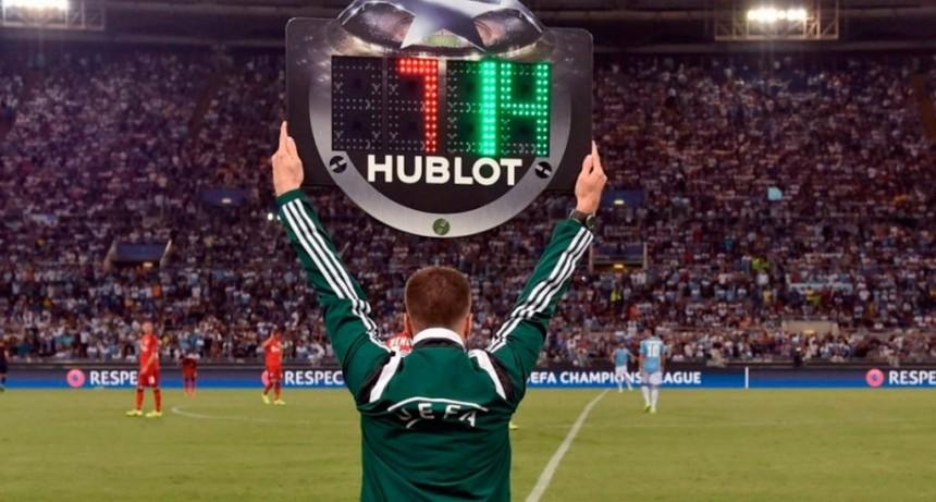 Todos los cambios que empezaron a regir en el reglamento del fútbol mundial
