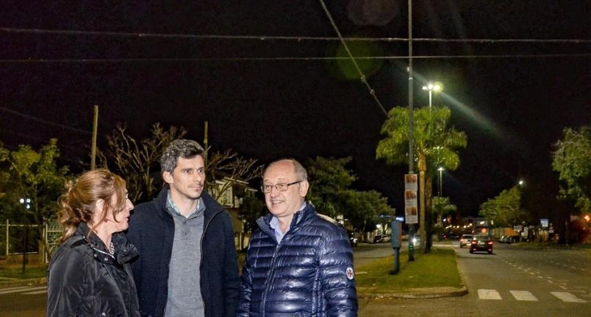 El Municipio incorporó iluminación led en la Costanera Oeste