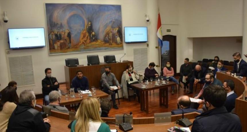 Concejales recibieron a representantes del municipio y de la Asociación Hotelera Gastronómica