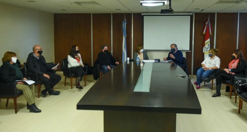 Covid-19: Se reunió el Consejo Interministerial para comenzar a evaluar el regreso a las aulas en la provincia