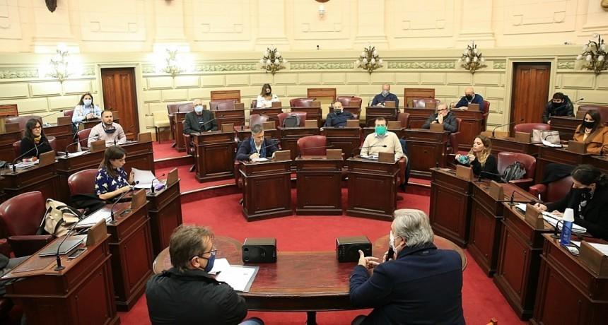 """La provincia presentó el Programa """"Santa Fe Más"""" en la Cámara de Diputados"""
