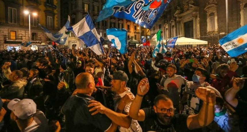 Temen un rebrote de coronavirus en Italia por los festejos del Napoli