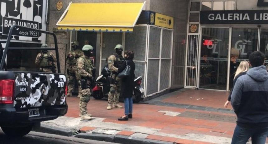 Allanaron oficinas de Rosario Central tras la detención del jefe de la barra brava
