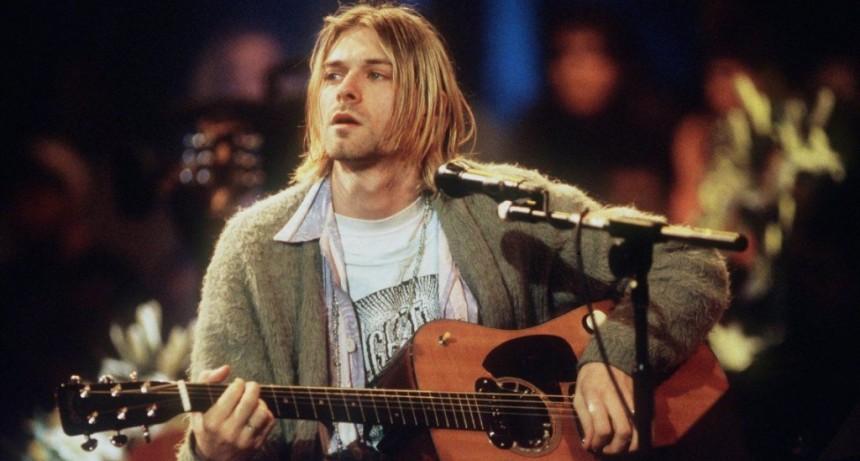 Pagan 6 millones de dólares! por una guitarra de Kurt Cobain
