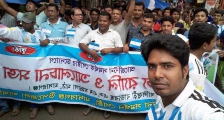 Multaron a fanáticos de Messi que festejaron su cumpleaños en Bangladesh