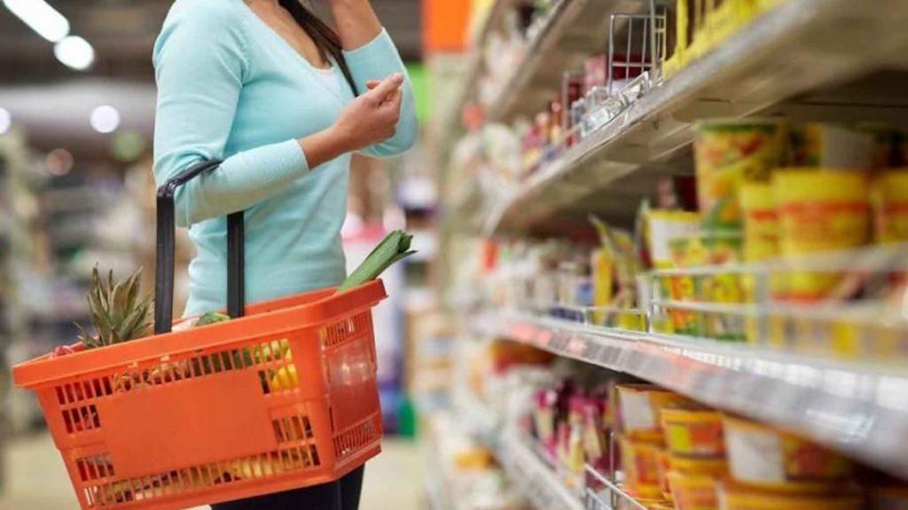 Inflación: el Gobierno prepara una supercanasta de productos