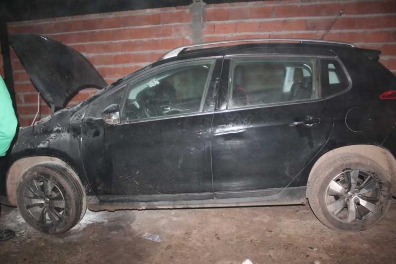 Investigan el incendio de dos autos en Santo Tomé