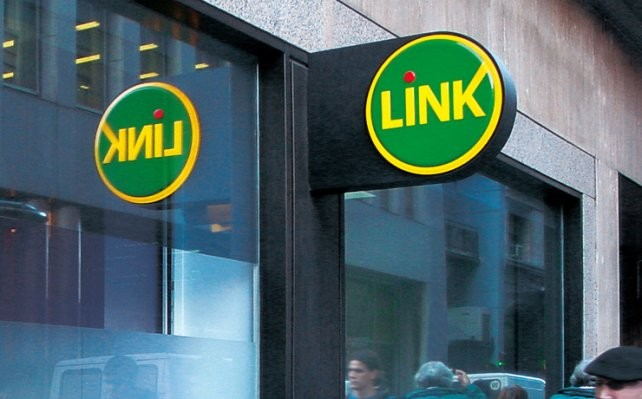 Desde la medianoche suspenderán por 4 horas el servicio en cajeros y homebanking de Red Link