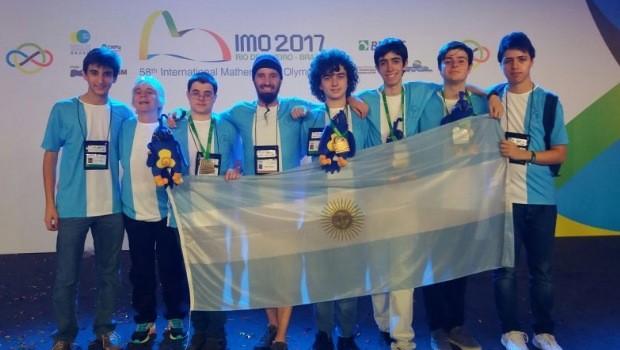 Un argentino de 17 años es medalla de oro en la Olimpiada Internacional de Matemática