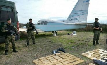 Secuestraron una tonelada y media de cocaína arrojada de una avioneta