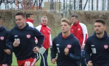 Madelón se apoya en ex jugadores para reforzar a Unión