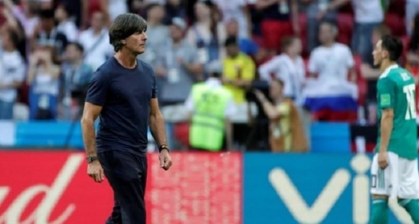 Pese al fracaso, Löw seguirá al frente de Alemania hasta 2022