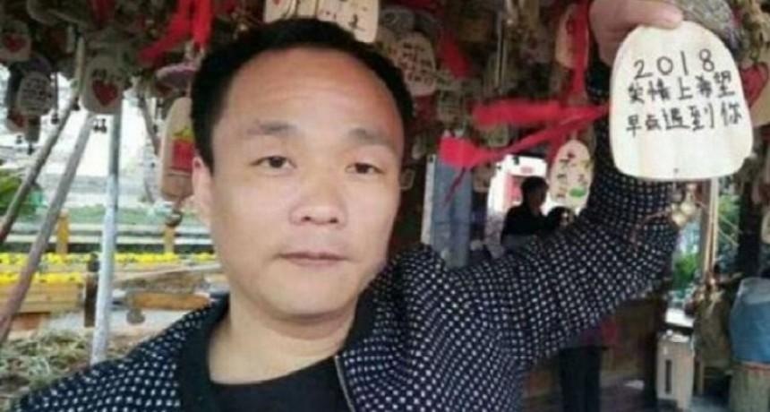 Un chino asegura haber sido rechazado por 80 mil mujeres