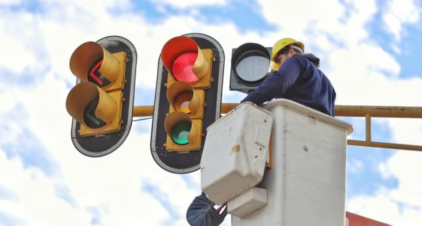 El Municipio coloca decrementadores en todos los semáforos de la Ciudad