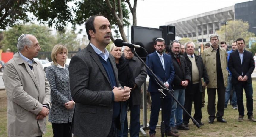 Santa Fe homenajeó a las víctimas del atentado de la AMIA