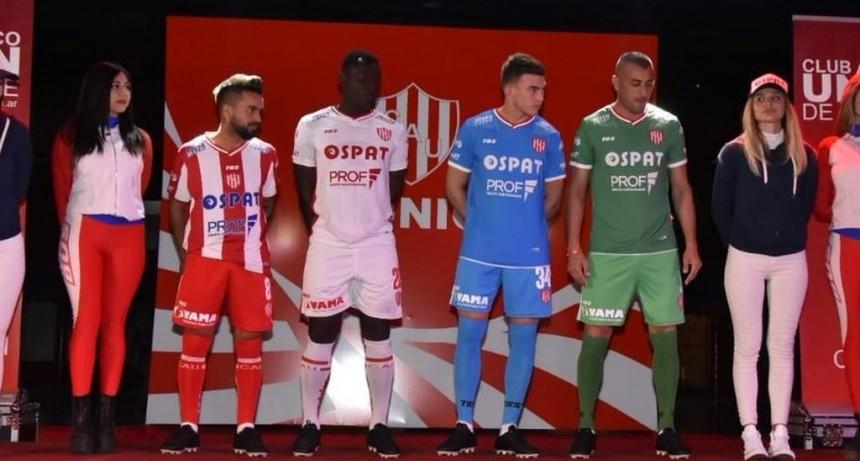 Unión presentó sus nuevas camisetas para la Superliga