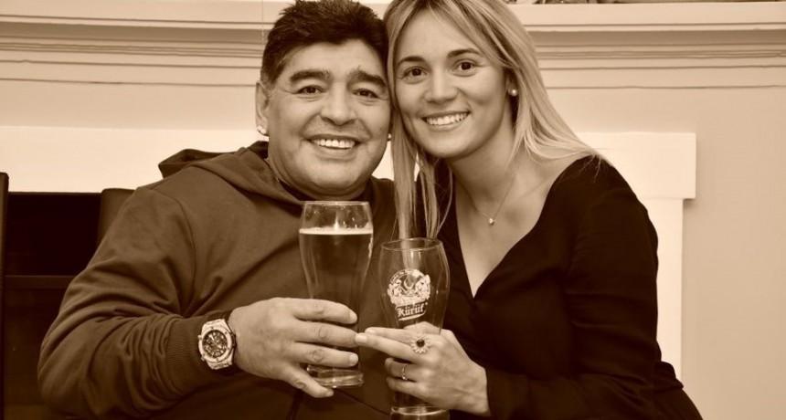 La romántica propuesta de casamiento de Diego Maradona a Rocío Oliva