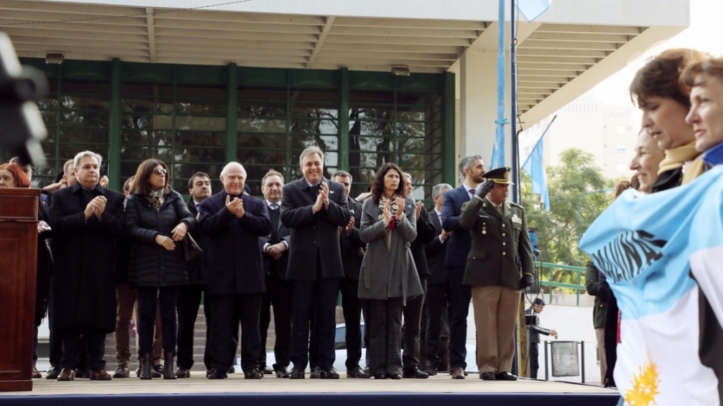 Lifschitz encabezó en Rafaela el acto del 203 aniversario de la Independencia